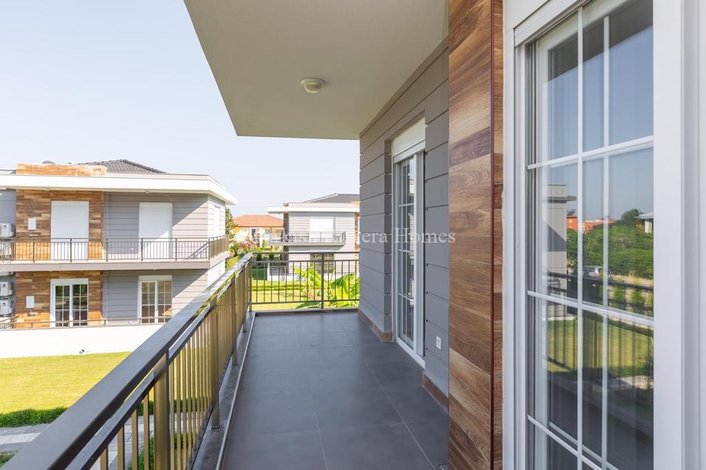 Modern Lifestyle Apartment in Kemer Town of Antalya-Balcony