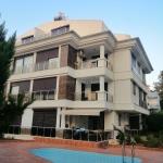 Excellent Condition Apartment in Konyaaltı for Resale